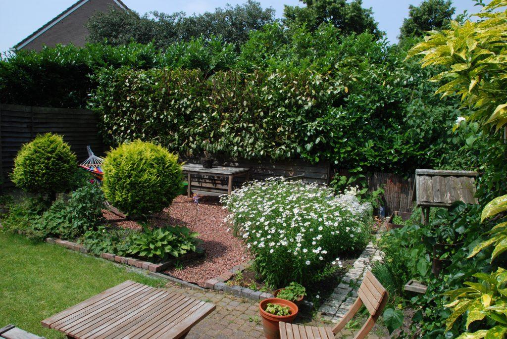 Herontwerp tuin van een hoekhuis